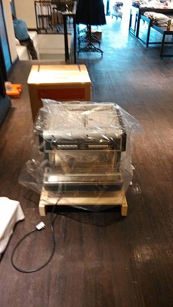 nuova SIMONELLI 小雙孔咖啡機裝機