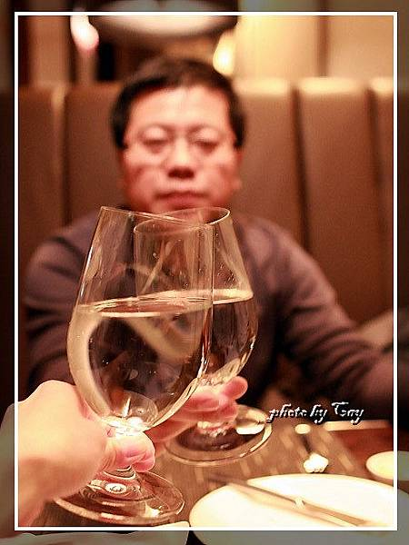 PhotoCap_111224 A-cut聖誕大餐 007.jpg