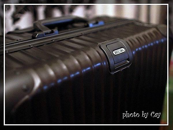 PhotoCap_120221 RIMOWA topas black 022