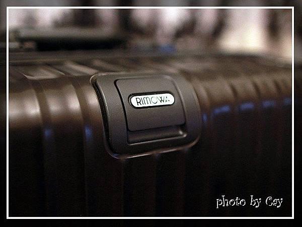 PhotoCap120221 RIMOWA topas black 023