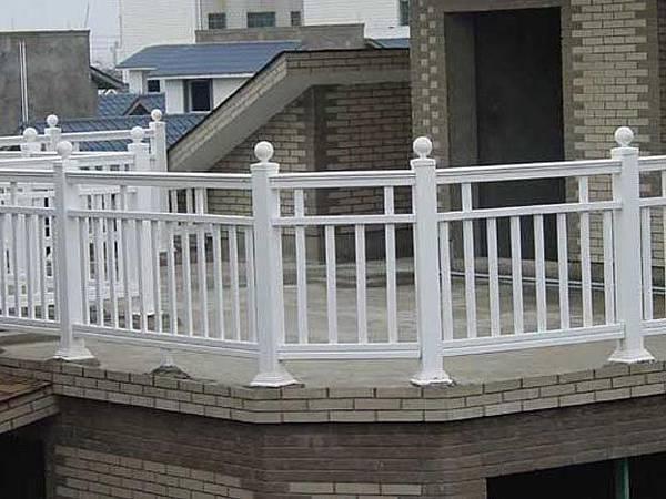 正邦鍛造-欄杆種類介紹-PVC欄杆
