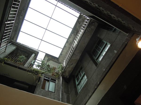 正邦鍛造-天井樓梯.jpg