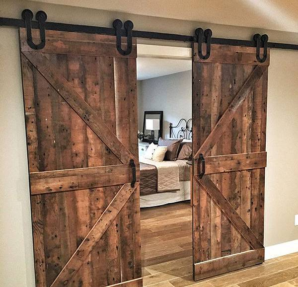 ok-Biparting-Double-Z-Sliding-Barn-Doors.jpg