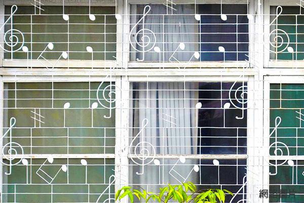 cb6688兒時回憶老鐵窗53音符2.jpg