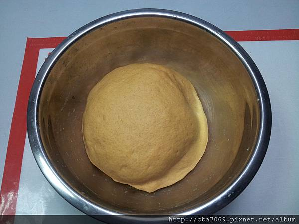蕃茄豆渣香椿麵包