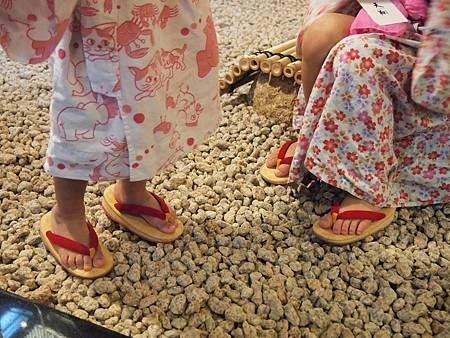 合腳的木屐鞋