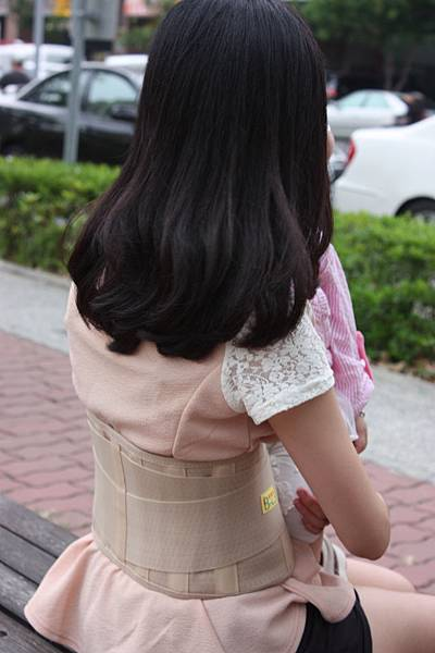 7吋透氣腰帶 側面