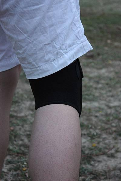 2粘蝴蝶膝 背面