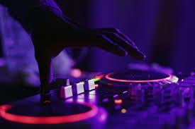 「DJ」的圖片搜尋結果
