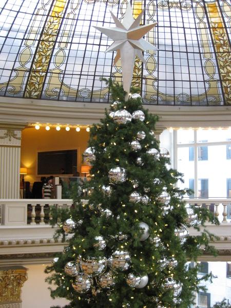 Neiman Marcus X'mas tree.JPG