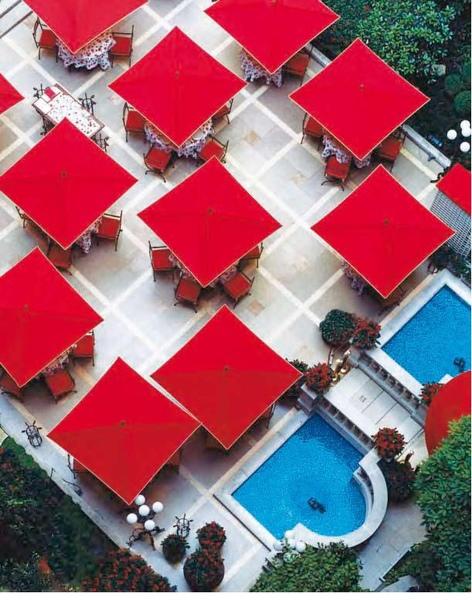 plaza athenee 1.jpg