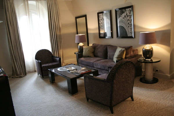 Plaza Athenee suite - 臥房.JPG