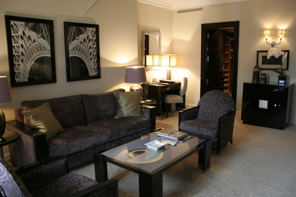 Plaza Athenee suite - 客廳 2.JPG