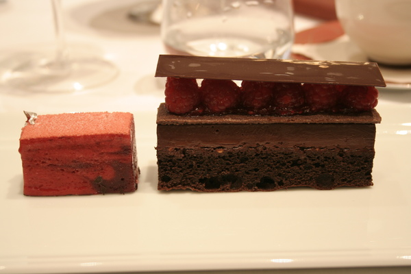 CC 甜點 -巧克力覆盆子蛋糕.JPG
