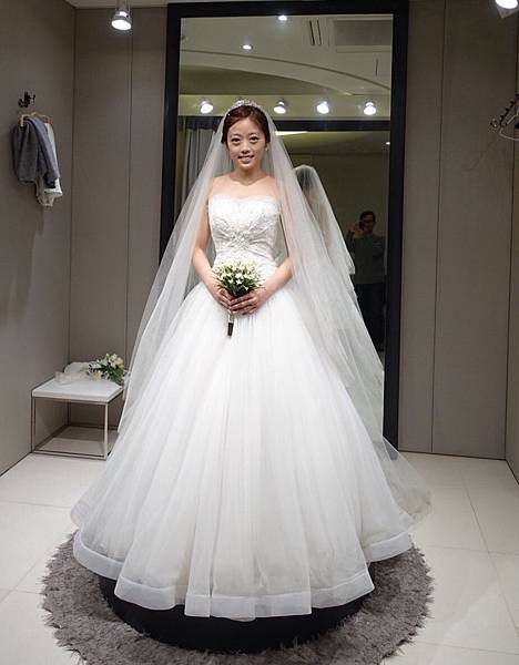 Wedding dress 01