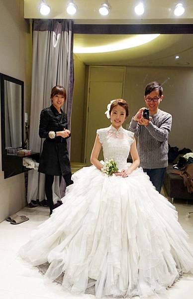 Wedding dress 08