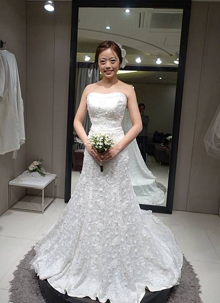 Wedding dress 09