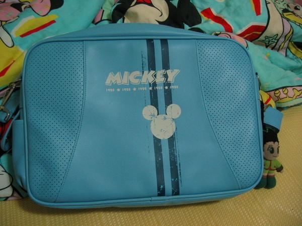 22歲生日禮物--Mickey包包
