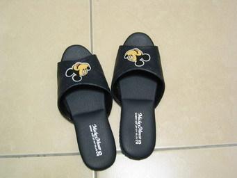 夏天的地板鞋