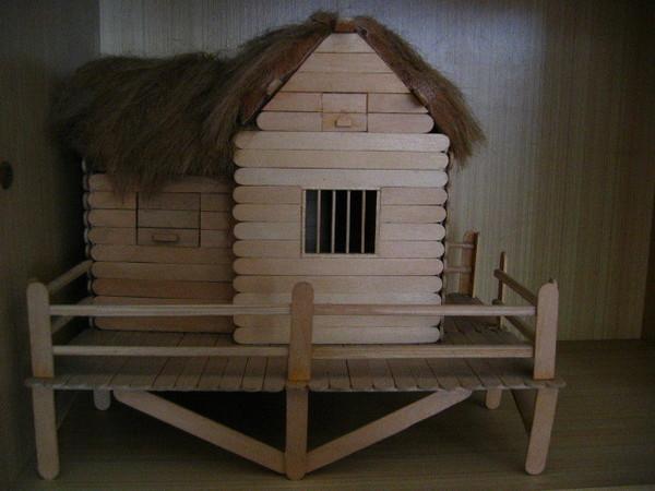 國中時老爸幫我做的屋子!