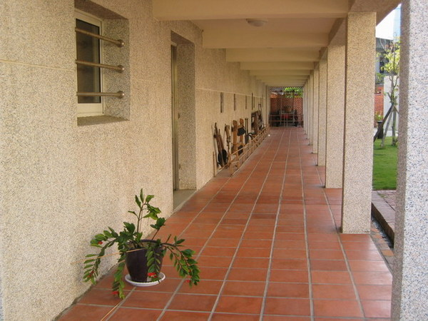 這條走廊很涼~