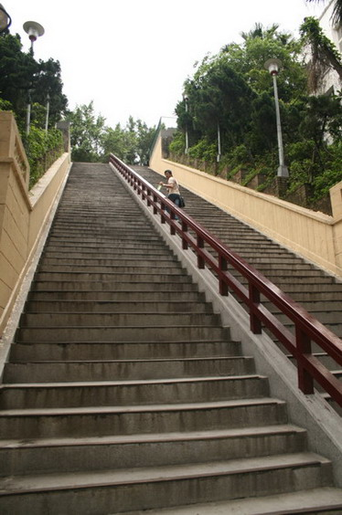 天啦~ 樓梯⊙_⊙