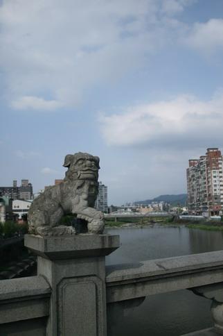 長福橋上的獅子