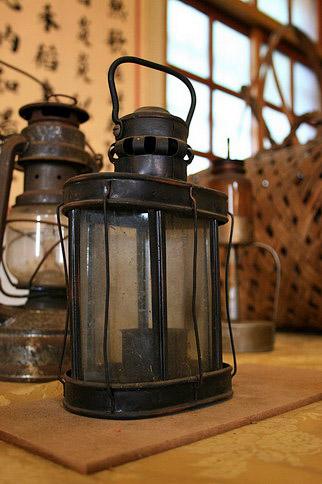 古早時的油燈