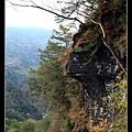 觀賞神秘谷之美時看到的岩壁