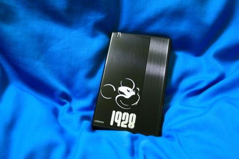 米奇2.5吋硬碟外接盒正面
