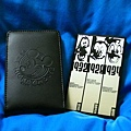 米奇2.5吋硬碟外接盒背面跟皮套