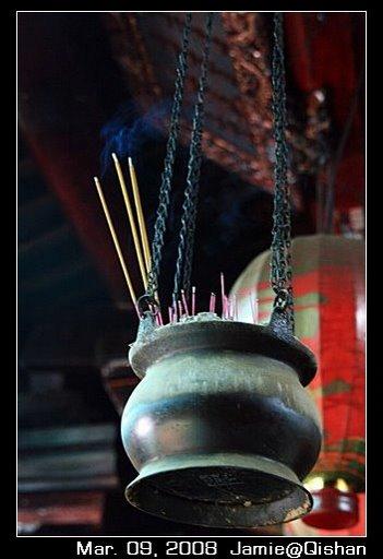 旗山老街媽祖廟裡的香爐