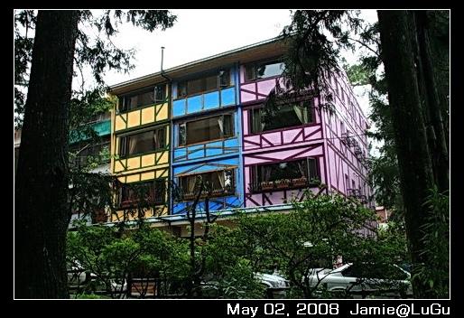 顏色很漂亮的建築