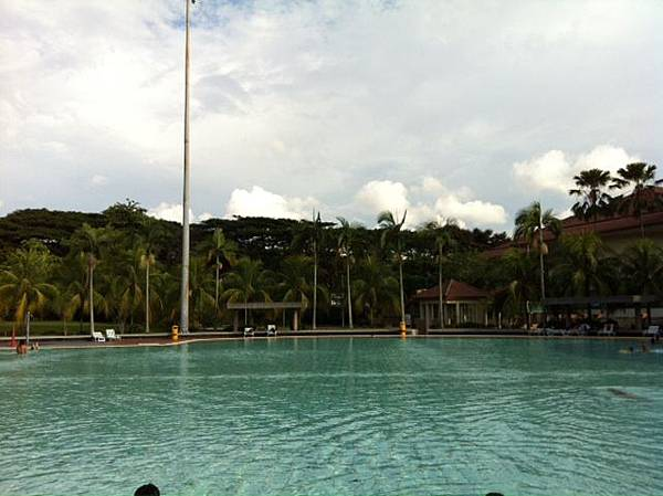 swimpool2