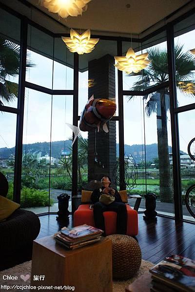入住超夢幻玻璃屋。水畔星墅。