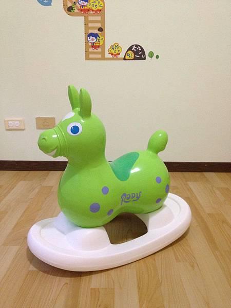 """一馬二用的大玩具 ~ 是 """"Rody跳跳馬"""",也是 """"Rody搖搖馬"""""""