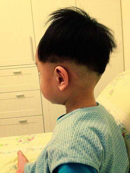 ▌1Y1M▐ 鋒的新髮型