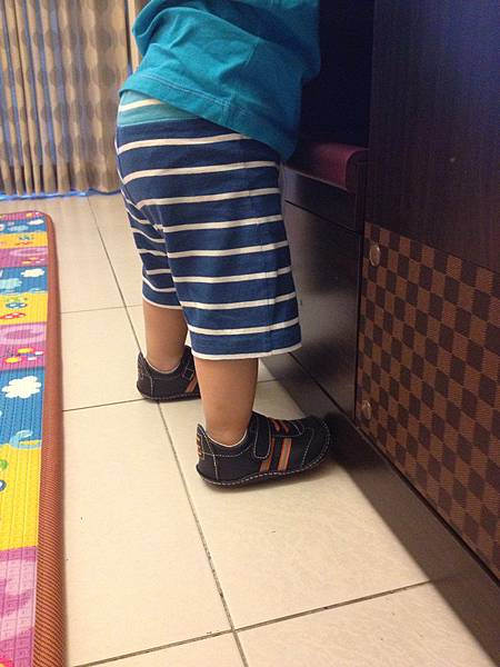 ▌1Y1M▐  學步鞋分享 (Shooshoos、Rileyroos)