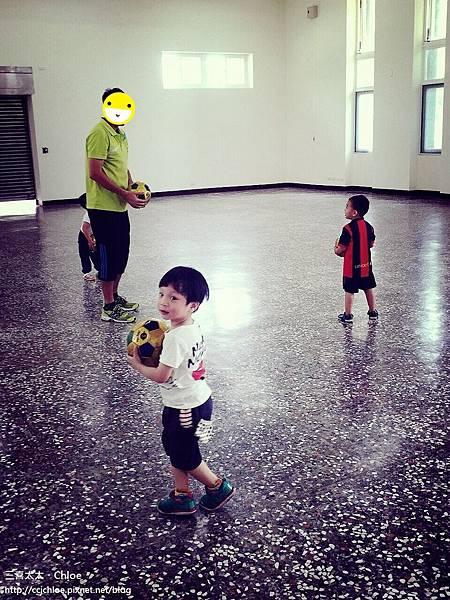 第一次的足球課