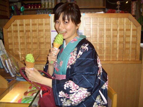 都路里的抹茶冰淇淋好吃到爆!