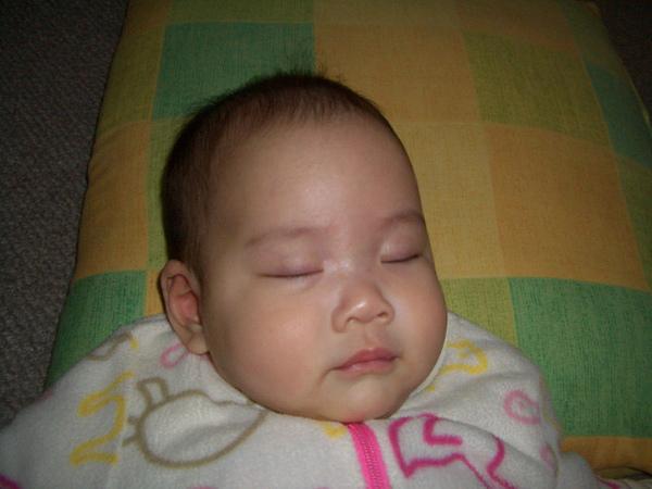 睡著的臉有小女生的fu