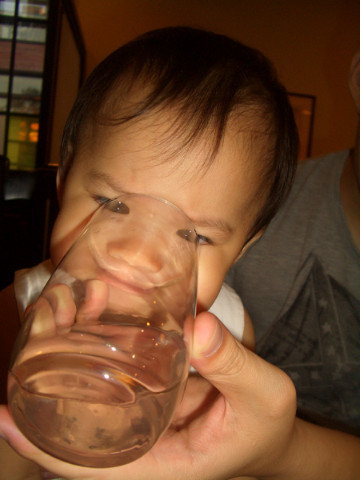 小老鼠喝水