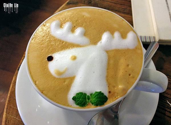 迷鹿咖啡-麋鹿拉花拿鐵