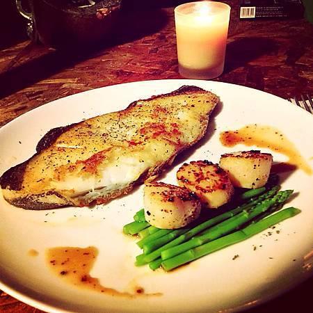 自製燭光晚餐 【乾煎冰島鱈魚】+【日本直送生干貝】
