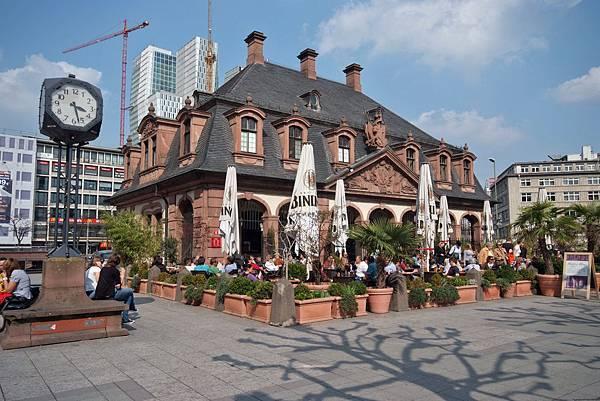 Hauptwache_Wachgebaeude_Cafe_diagonal