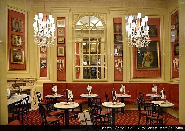 Cafe Sacher Vienna02