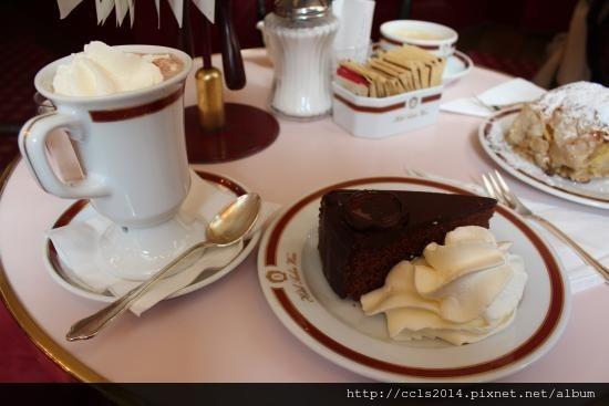 cafe-sacher-vienna