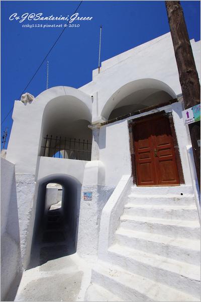 2010-Greece-Santorini-Megalochori 藍頂教堂-009.jpg