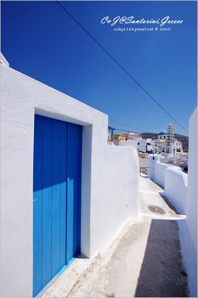 2010-Greece-Santorini-Megalochori 藍頂教堂-053.jpg