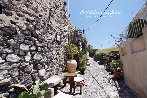 2010-Greece-Santorini-Megalochori 藍頂教堂-033.jpg